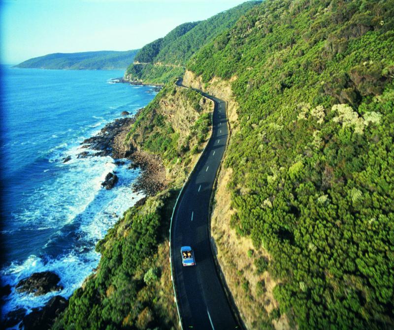 Ocean-Road-in-Victoria