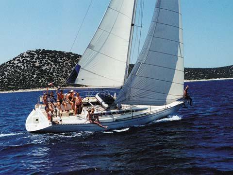 sailing_holliday